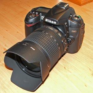 Nikon D90 con óptica Nikkor 18-105