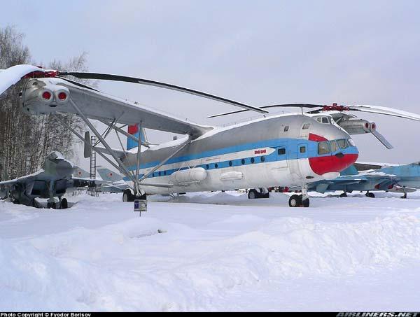 Mi-12 en exposición estática: el segundo de dos construidos