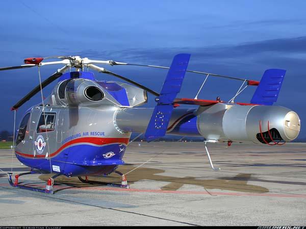 MD 902 Explorer de Luxembourg Air Rescue, con una bella iluminación nocturna
