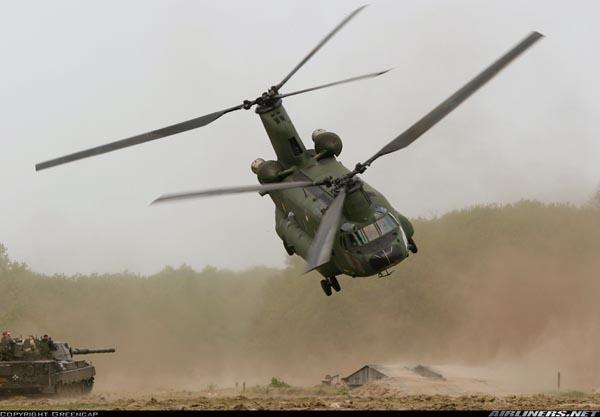 Boeing CH-47D Chinook del ejército holandés, ejemplo de rotores en tándem