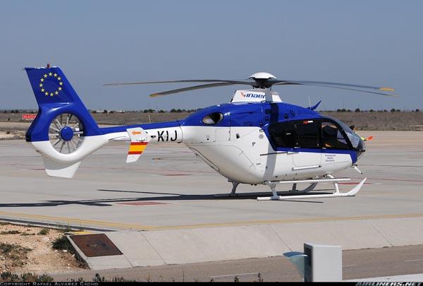 Eurocopter 135 de la empresa española Inaer, mostrando el rotor Fenestron