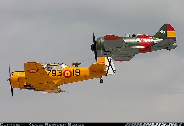 Polikarpov I-16 y T-6 Texan de la Fundación Infante de Orléans