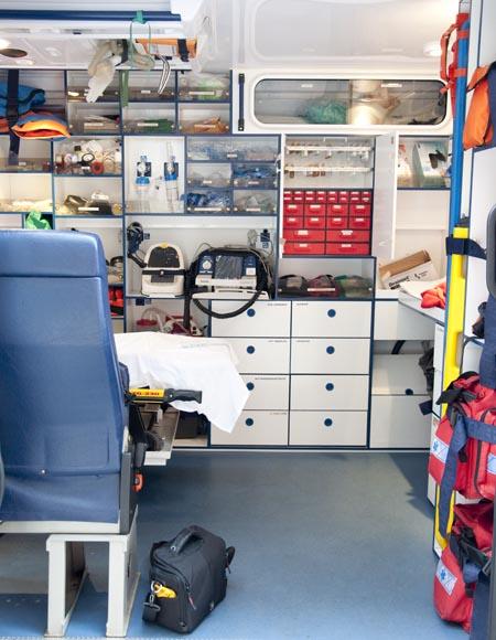 Ambulancia vista desde el lateral